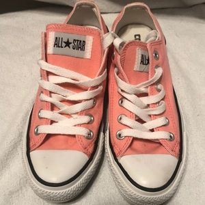 Light Pink Converse Chuck Taylor Low Sneakers